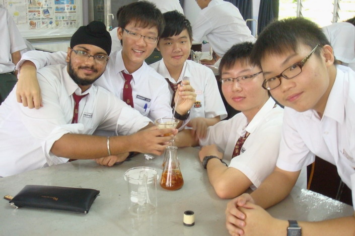 Gurjivan,Gregory, Gabriel, David and Hong Yaw obtained the ethanol by the fermentation of glucose (natural raw material - sugar)
