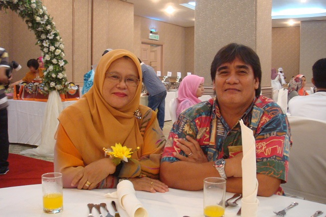 Pn Hajah Foziah and husband